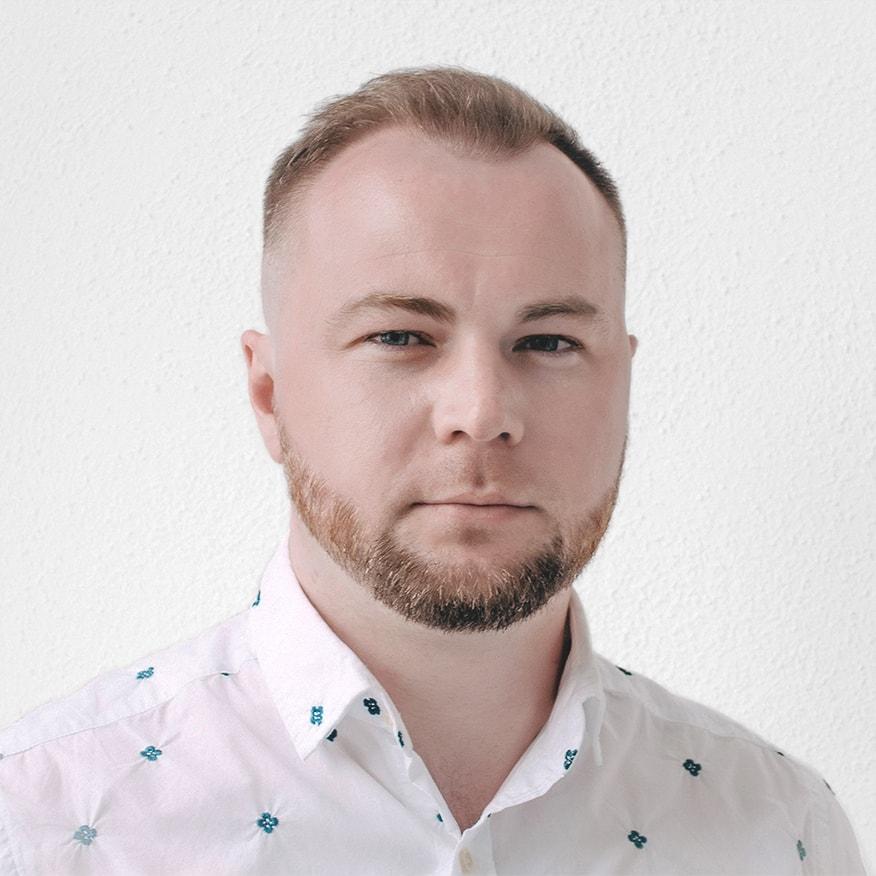 Олег Бахмутский